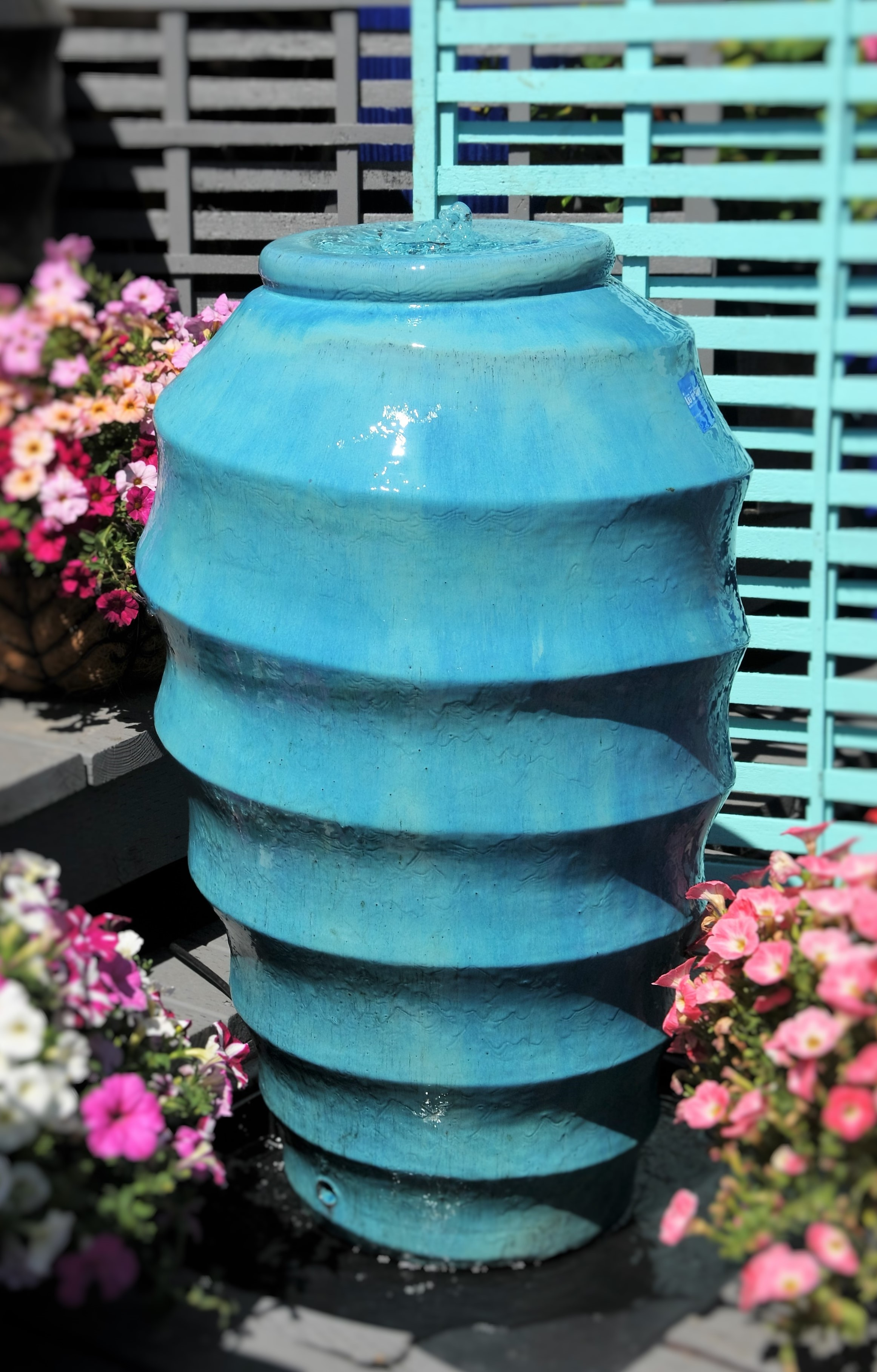Swirl Jar Fountain